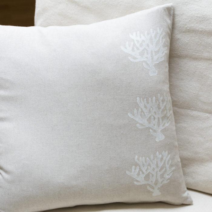 Cojin coral blanco