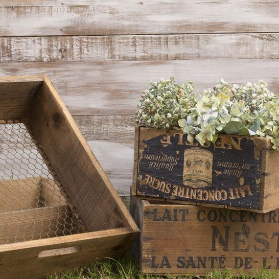 Cajas-antiguas-alquiler-bodas-eventos-decoracion-Times Market