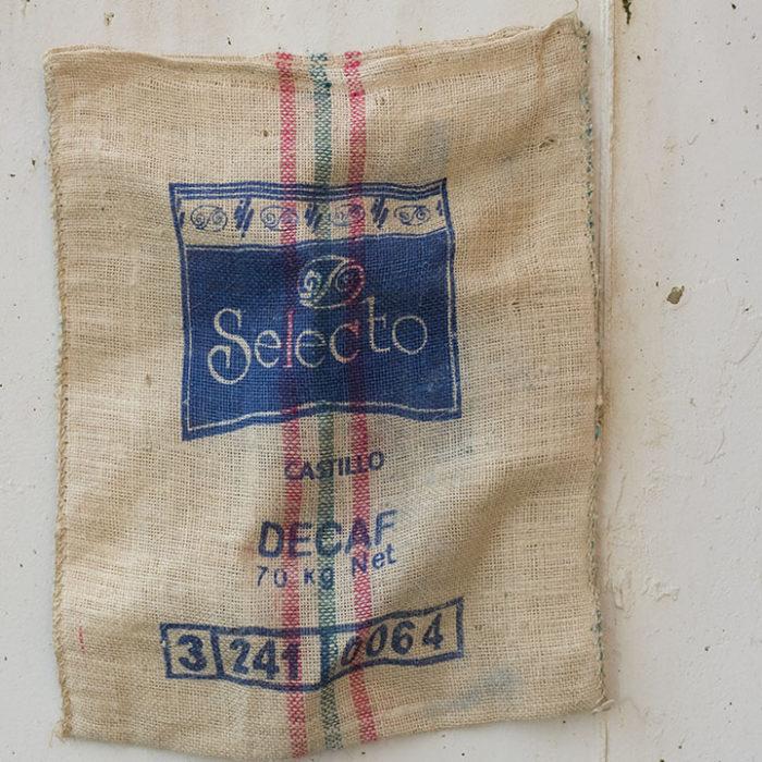 Colombia-saco-café-Time´sMarket-decoracion